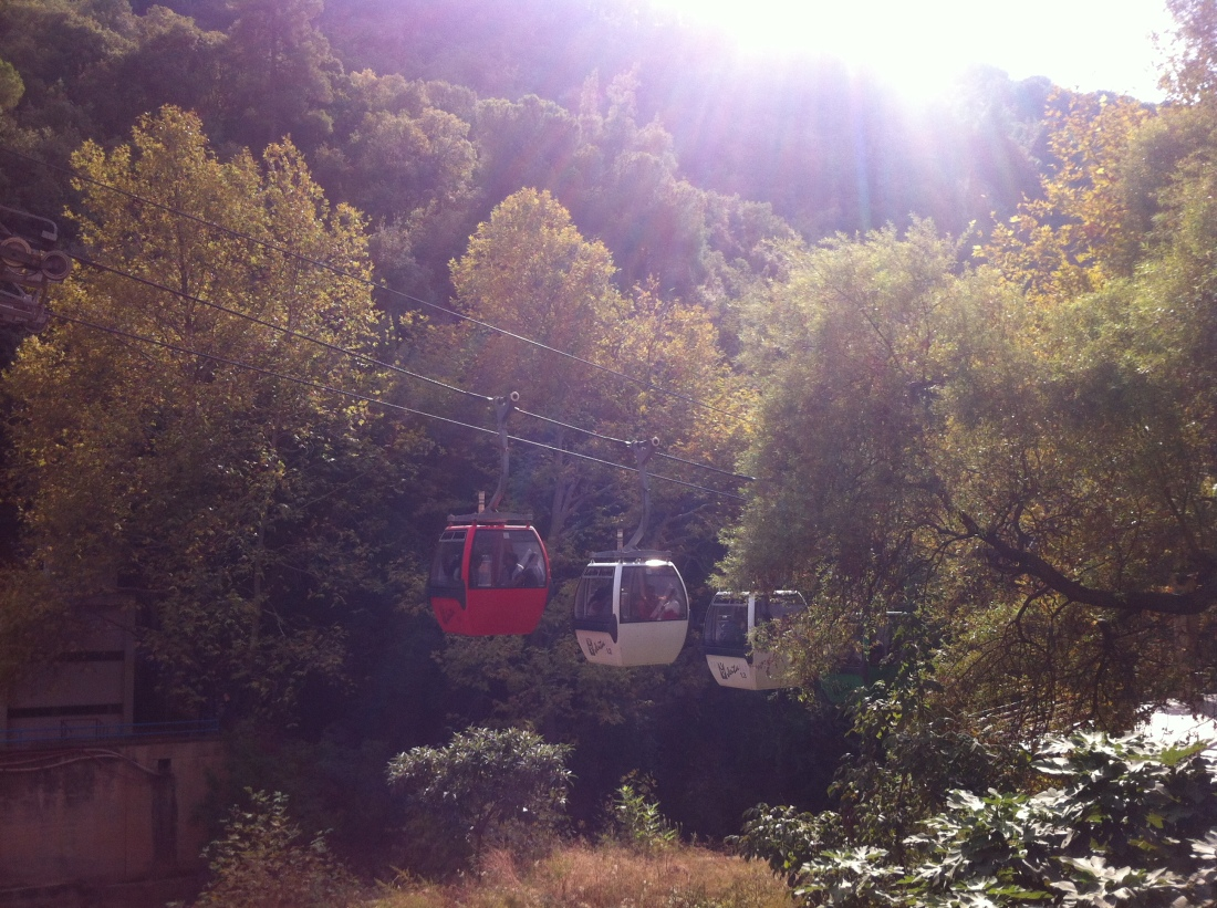Cable car to the upper grotto