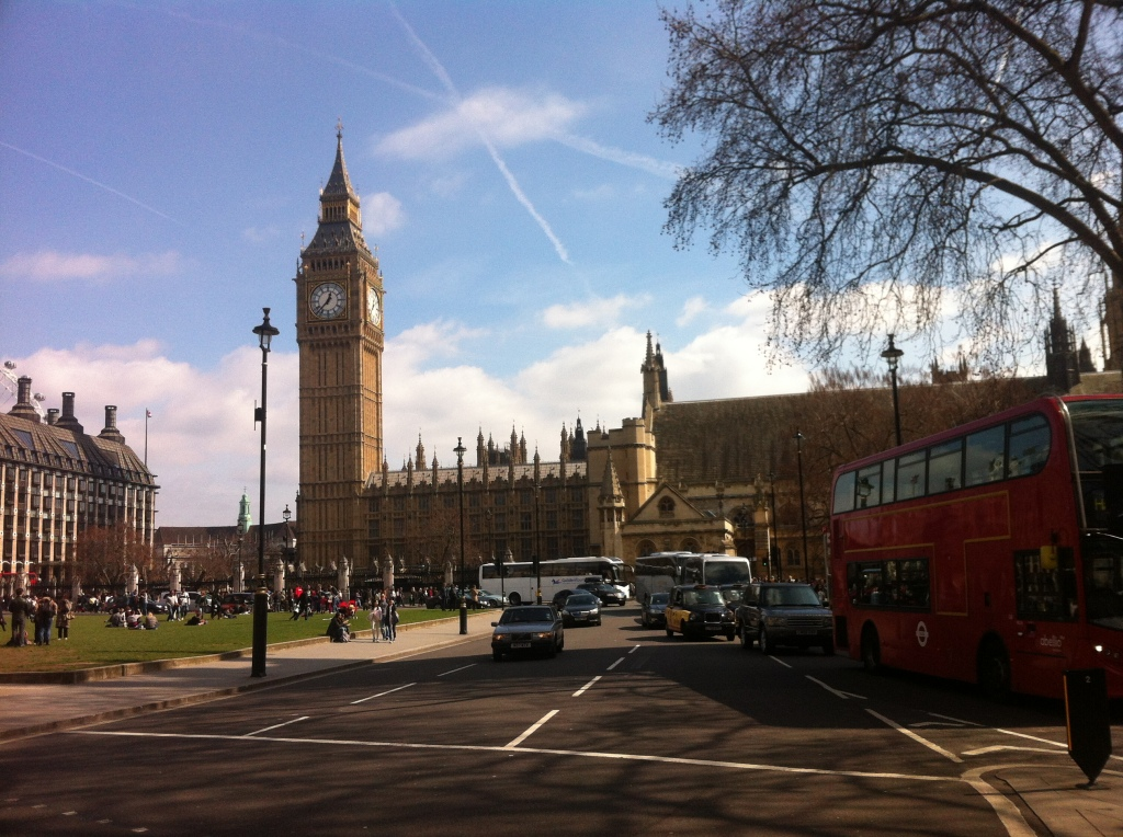 Iconic London: Big Ben and the red doubledecker bus