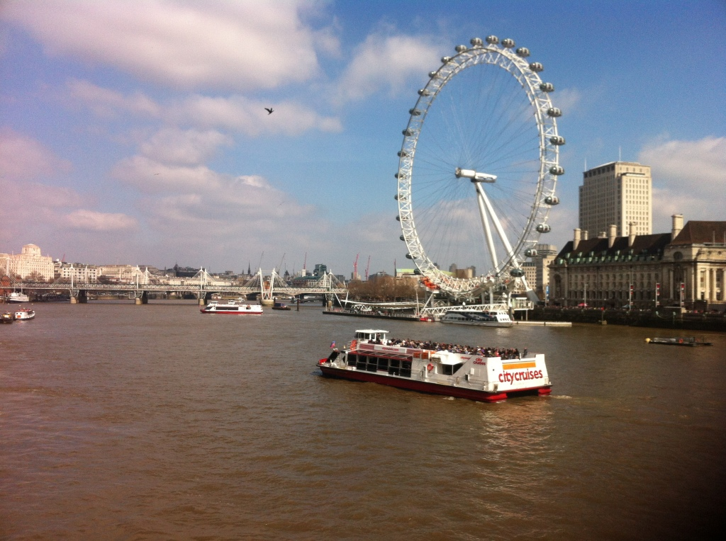 A sunnier afternoon on the Thames