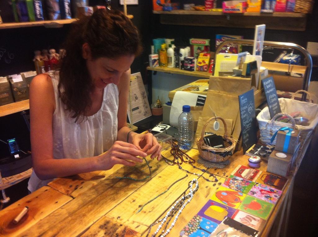 Making ankle bracelets