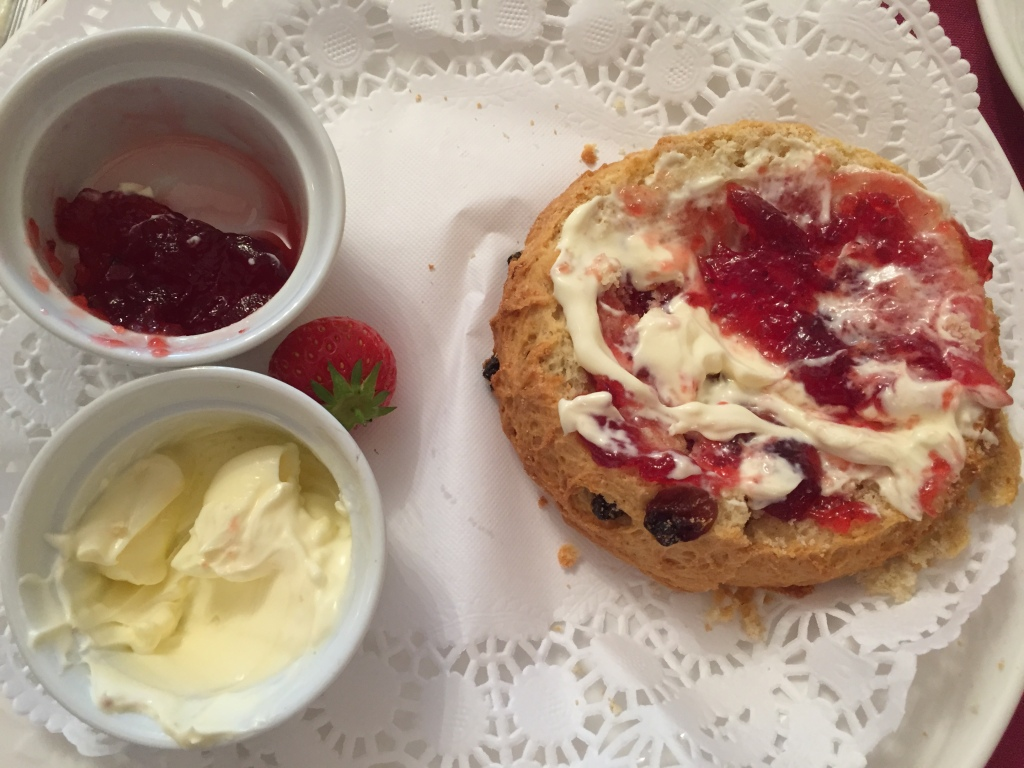 Voila - cream tea. A tasty breakfast in the Cotswolds.